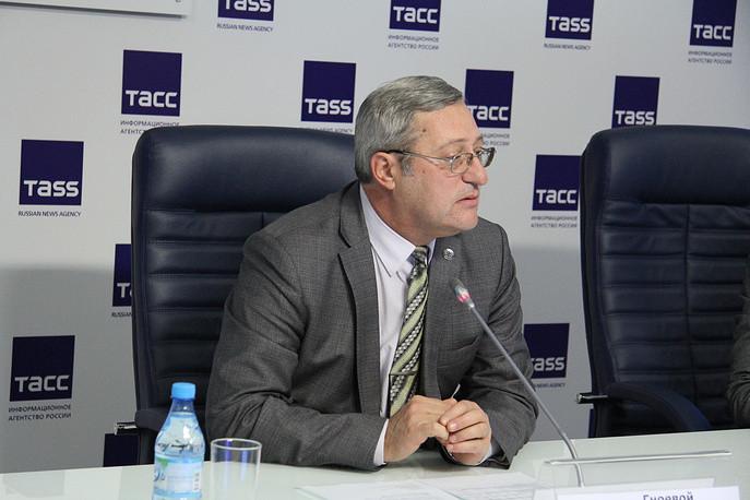 Замначальника инспекции регионального Госстройнадзора Валерий Гноевой