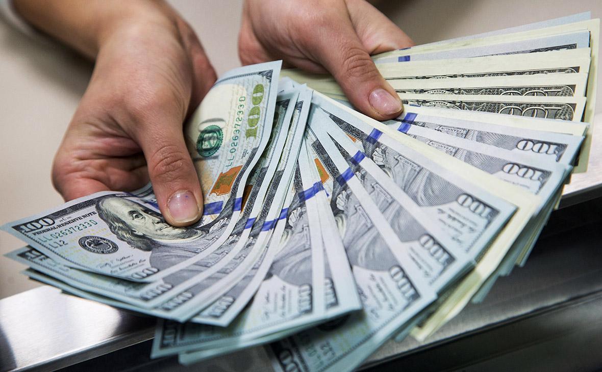 """Дела о хищениях в Bank RBK и """"Казкоммерцбанк"""": адвокат задержан при получении 315 тысяч долларов"""