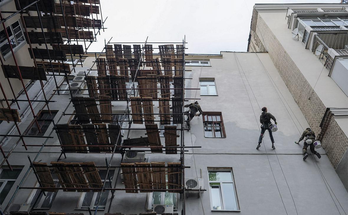 Фасадные работы в рамках капитального ремонта жилых домов в Москве