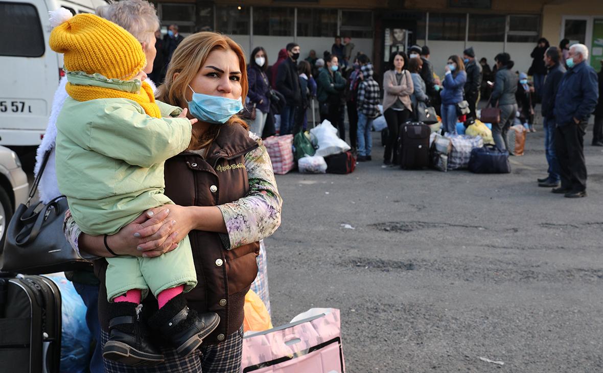 В Кремле оценили соглашение по Карабаху словами «главное, люди не гибнут»