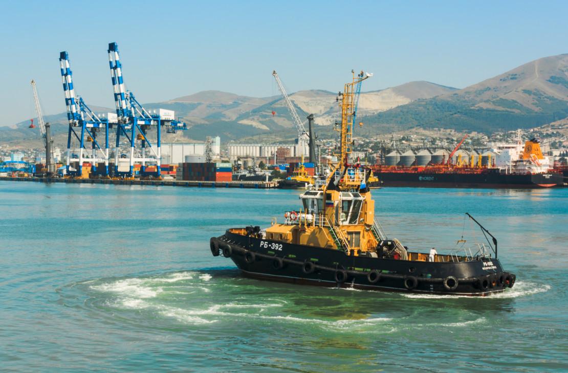 Новороссийский порт на северо-восточном побережье Черного моря
