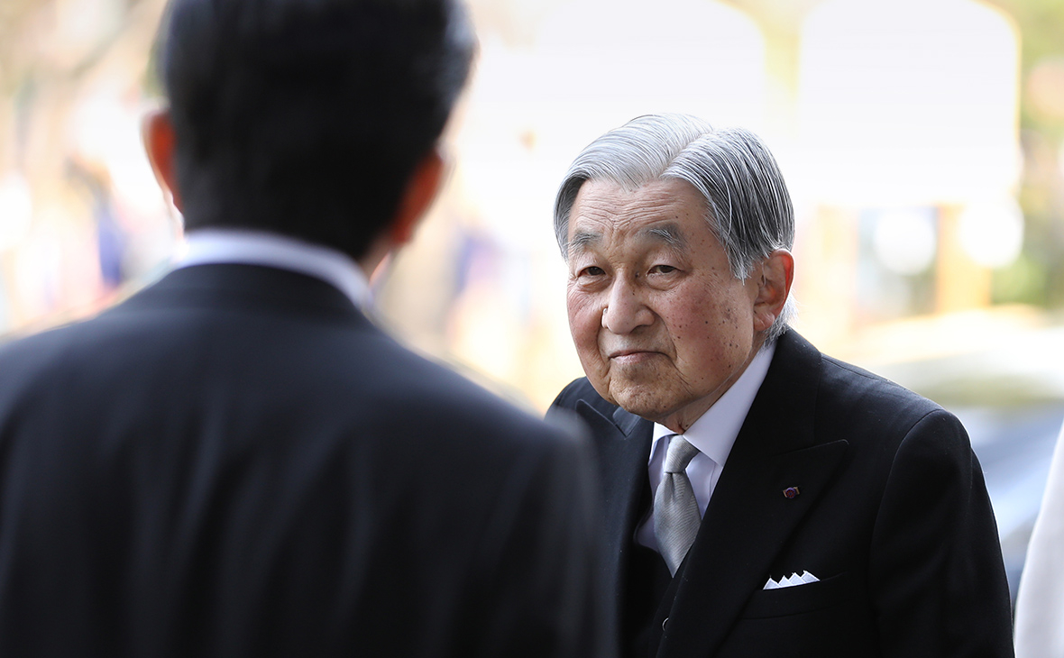Император Японии Акихито отрекся от престола