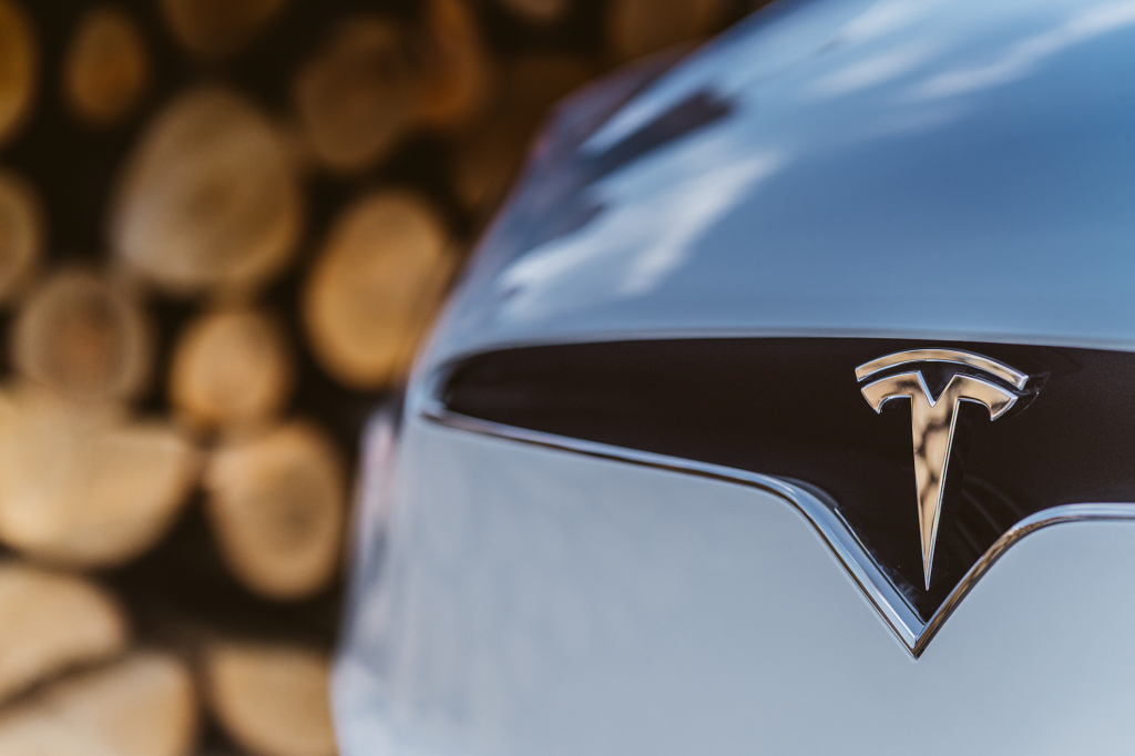 Фото:Tesla