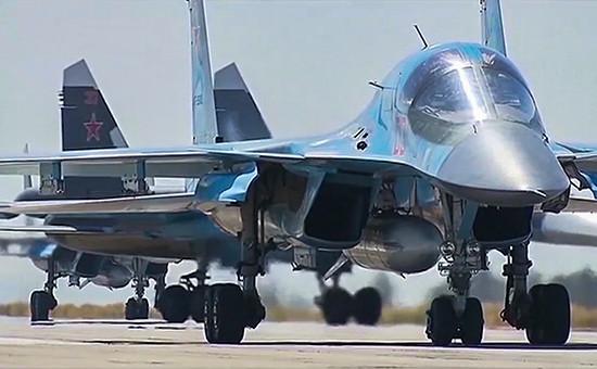 Самолеты ВКС России на авиабазеХмеймимв Сирии, март 2016года