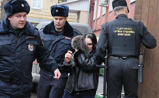 Зкс-президент Внешпромбанка Лариса Маркус после ареста в Тверском суде. Декабрь 2015 года