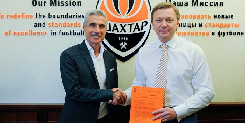 Новый главный тренер «Шахтера» Луиш Каштру (слева) и генеральный директор клуба Сергей Палкин