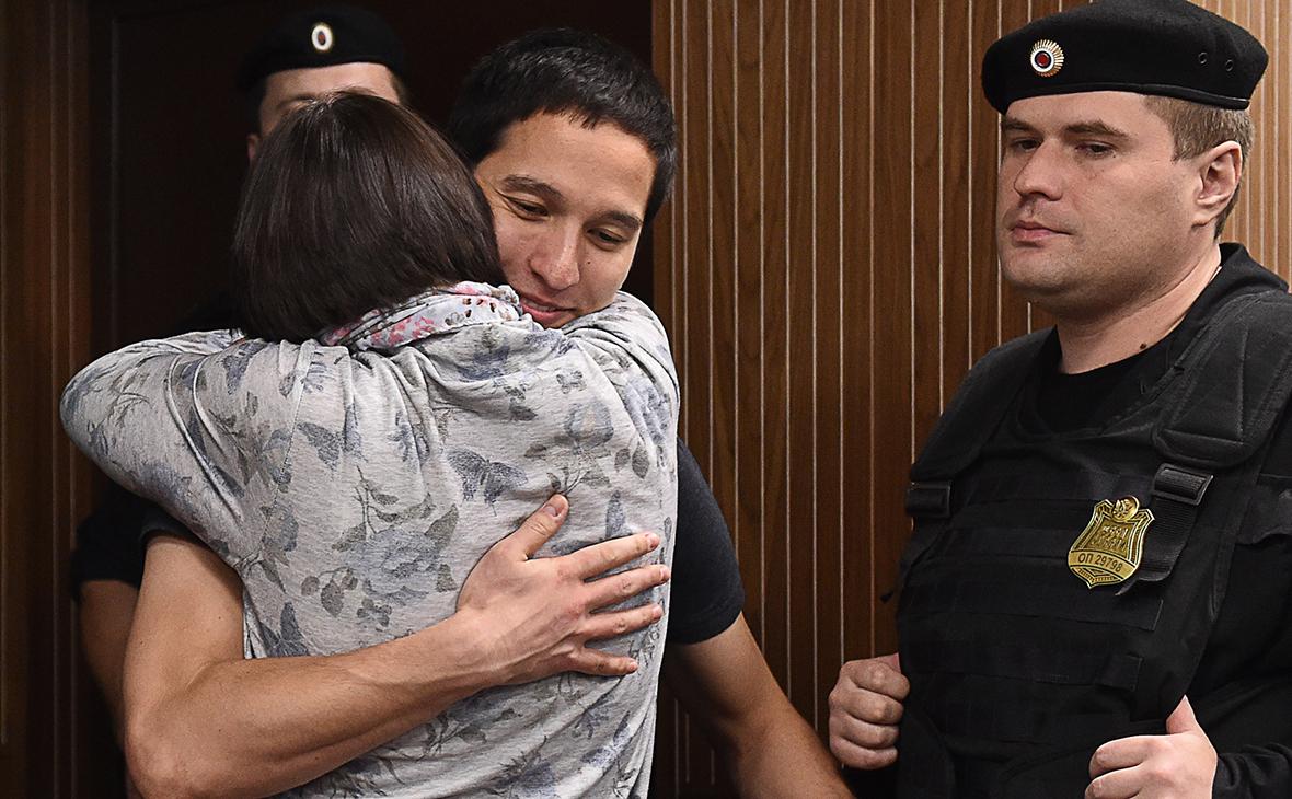 Айдар Губайдулин (слева)