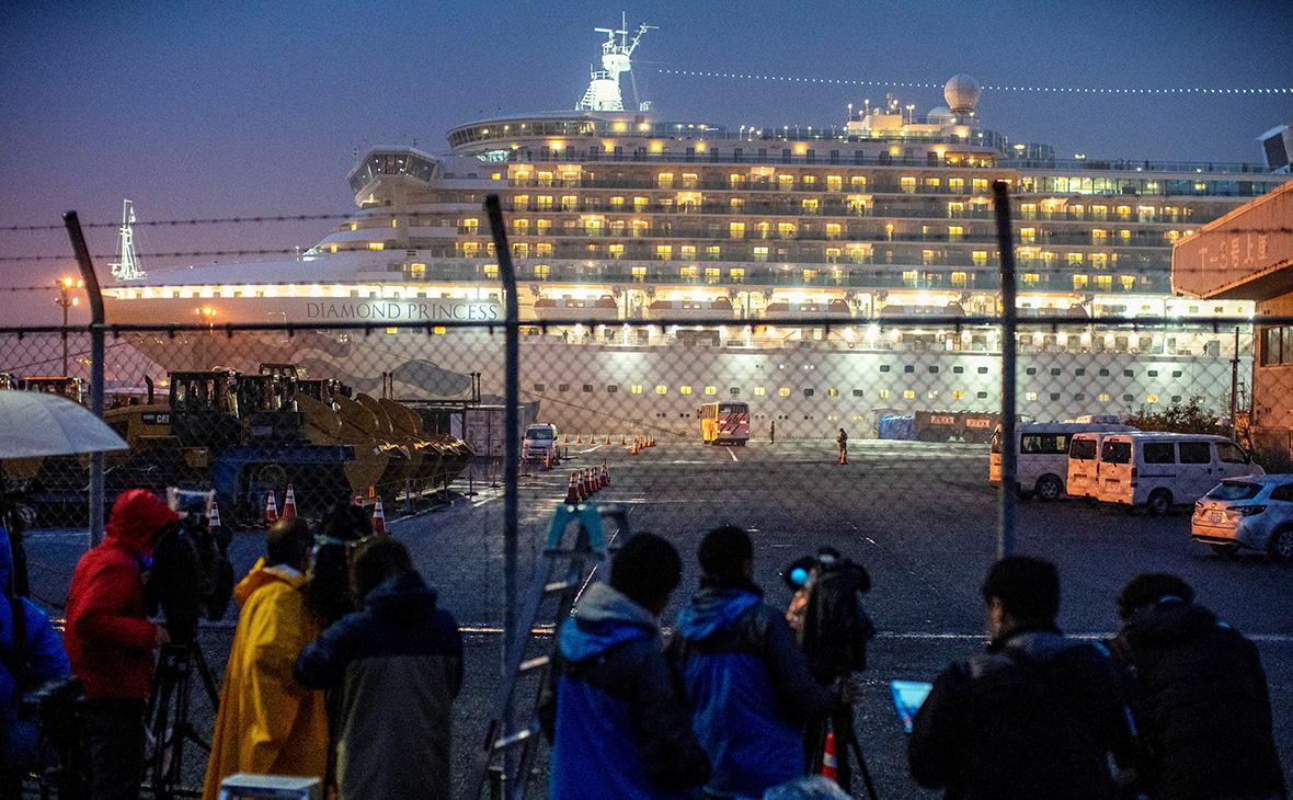 Коронавирус нашли у еще двух россиян с круизного лайнера в Японии