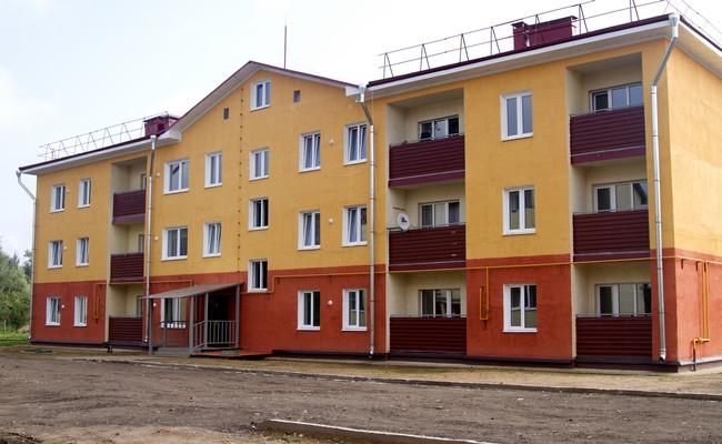 Трехэтажный 22-квартирный энергоэффективный дом в поселке Парфино Новгородской области по адресу улица Мира, 14В