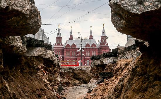 Работы поблагоустройству наТверской улице вМоскве
