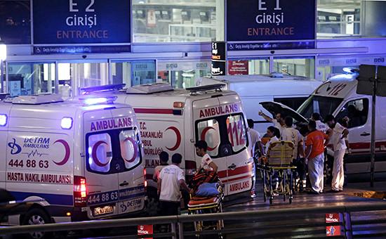 Медики послевзрывов ваэропорту Ататюрк, Стамбул. 28 июня 2016 года