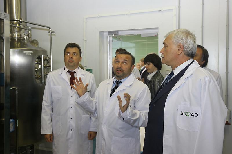 Дмитрий Морозов (в центре) и Георгий Полтавченко (справа)