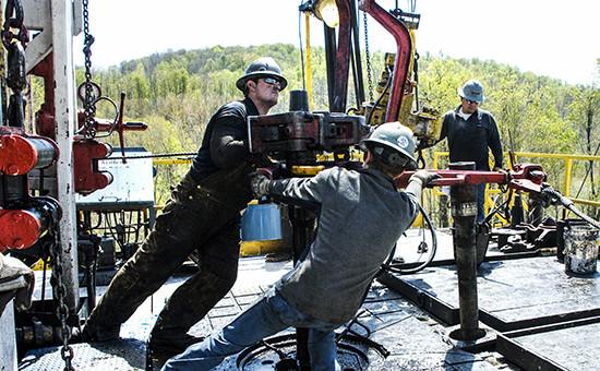 Рабочие на буровой площадке компании Chesapeake Energy, 2010 год
