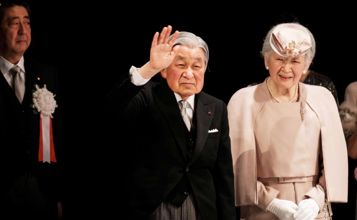 Японии указали на риск краха из-за гуляний по случаю отречения императора