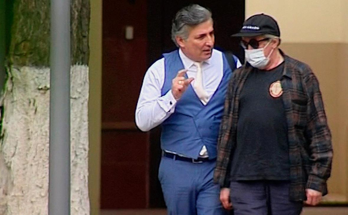 Эльман Пашаев о состоянии Михаила Ефремова: «Он с ума сойдет ...