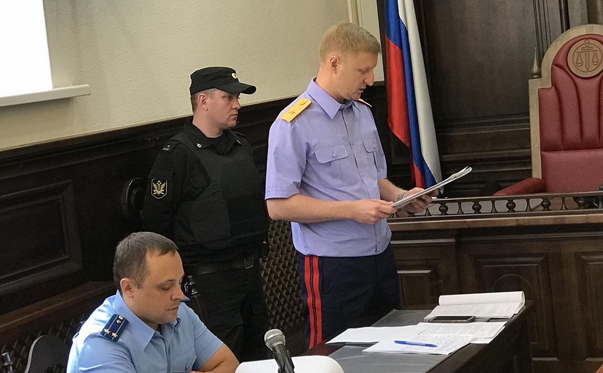 Рустам Габдулин (справа)