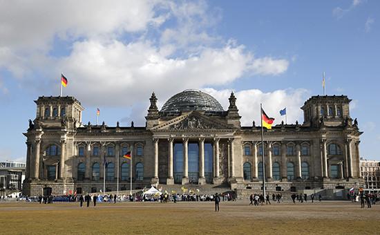 Здание Рейхстага, место нижней палаты парламента Бундестага в Берлине