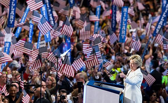 Кандидатв президенты США Хиллари Клинтон наконференции Демократической партии США