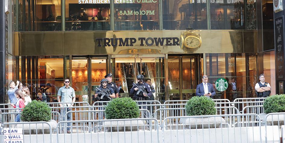 Подъезд Trump Tower