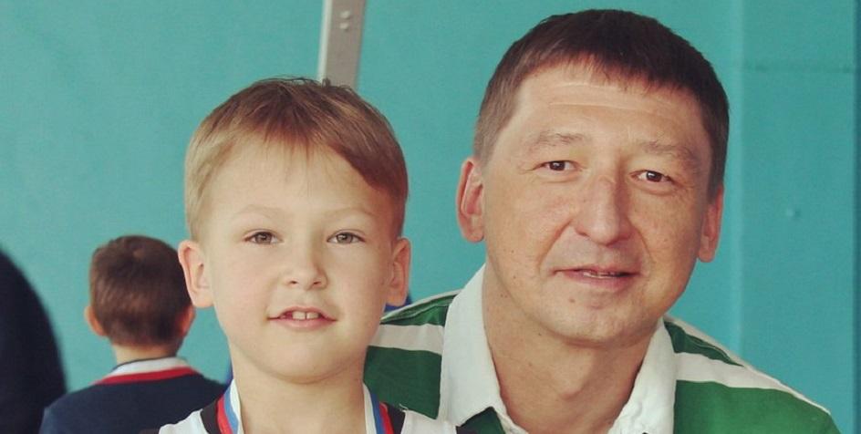 Андрей Ботичев (справа)