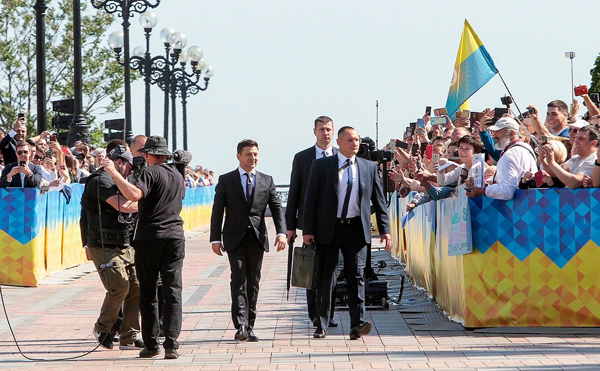 Владимир Зеленский (в центре)