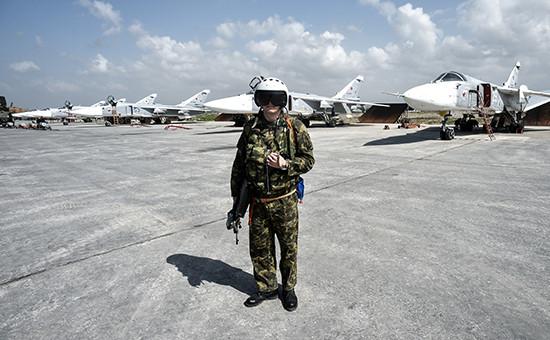 Пилот ВКС России на авиабазе Хмеймимв сирийской провинции Латакия