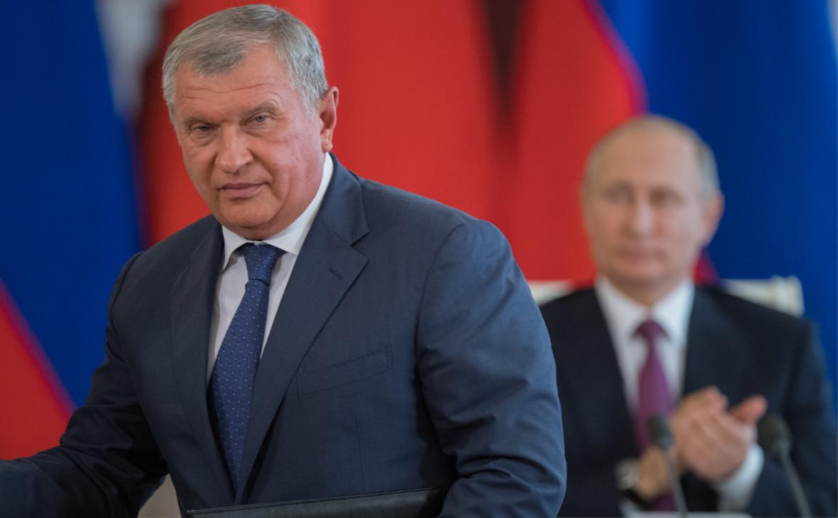 Игорь Сечин (слева) и Владимир Путин (справа)