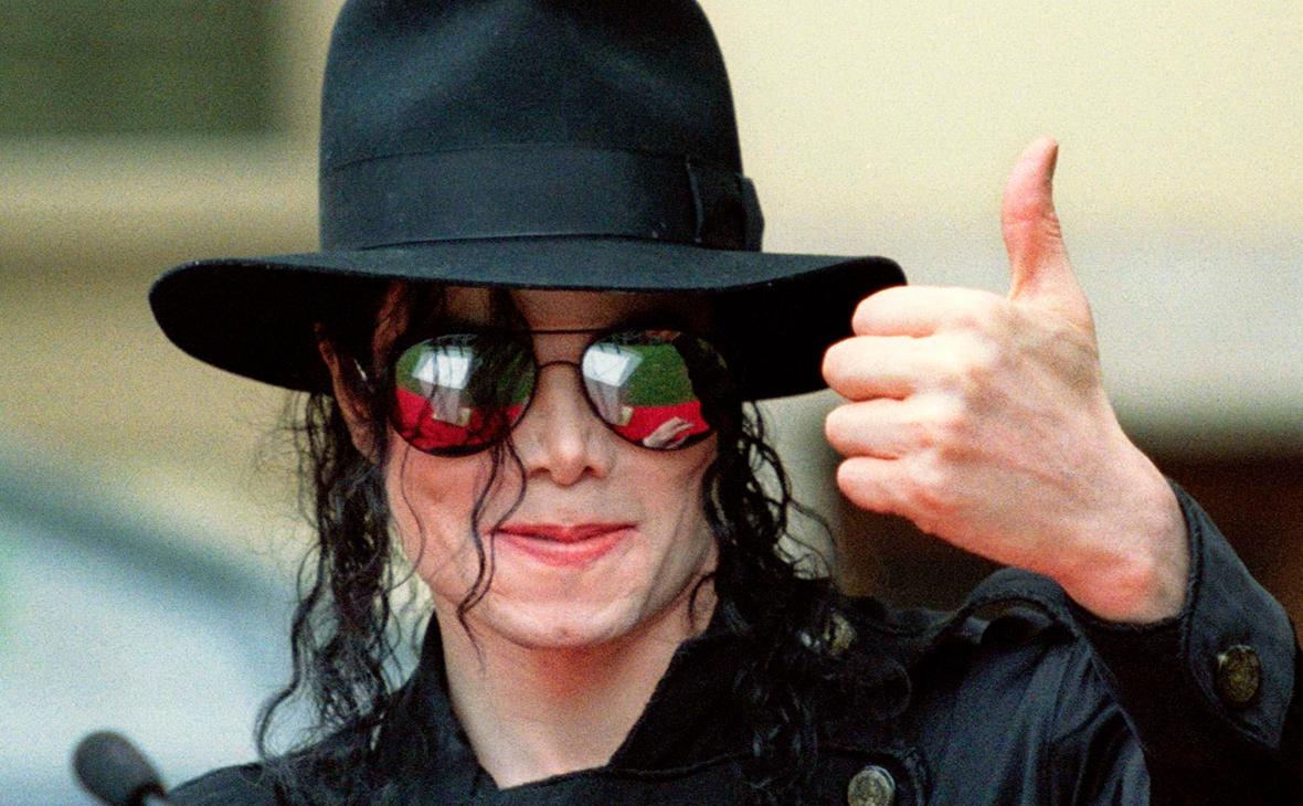 Forbes: Майкл Джексон - 1-й в рейтинге «самых высокооплачиваемых» умерших знаменитостей