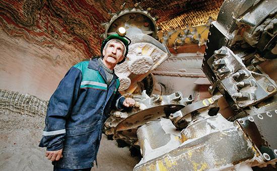 Горный комбайн вкалийной шахте ОАО«Уралкалий»