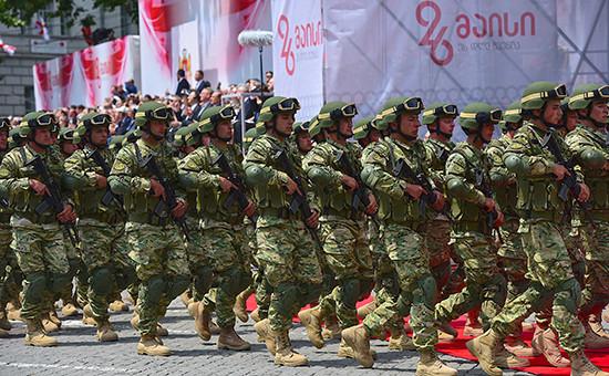 Военнослужащие грузинской армии на праздновании в Тбилиси Дня независимости Грузии.26 мая 2016 года
