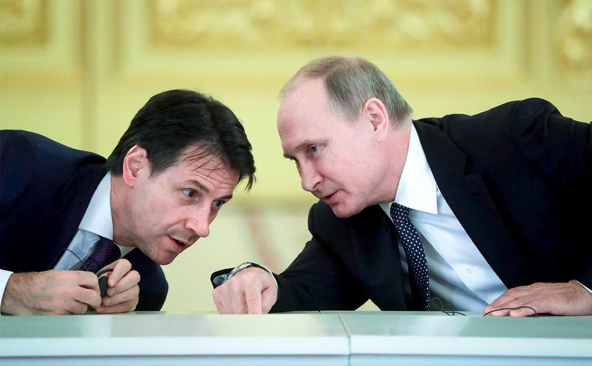 Джузеппе Конте и Владимир Путин (справа)