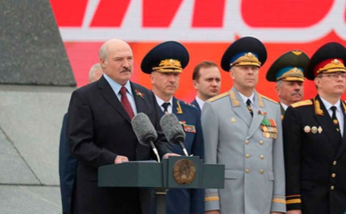 Лукашенко в поздравлении на 9 мая напомнил о срыве ДРСМД