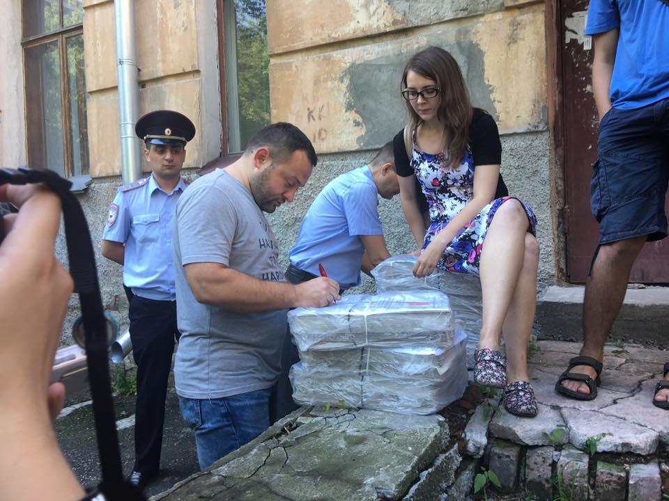 Сергей Бойко и адвокат штаба Навального в Новосибирске Анжелика Чернявская