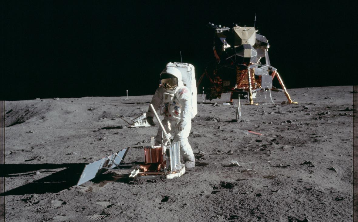 БаззОлдрин на поверхности Луны