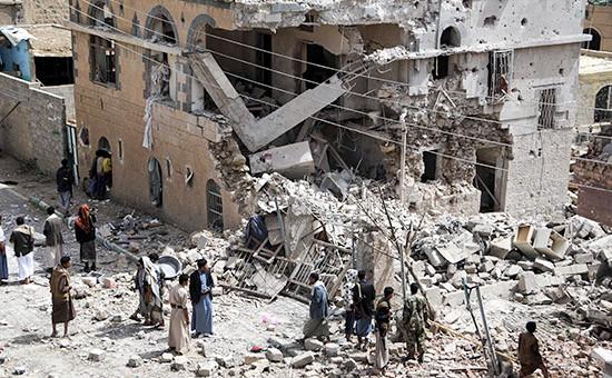 Последствия серии мощных авиаударов по территории Сирии