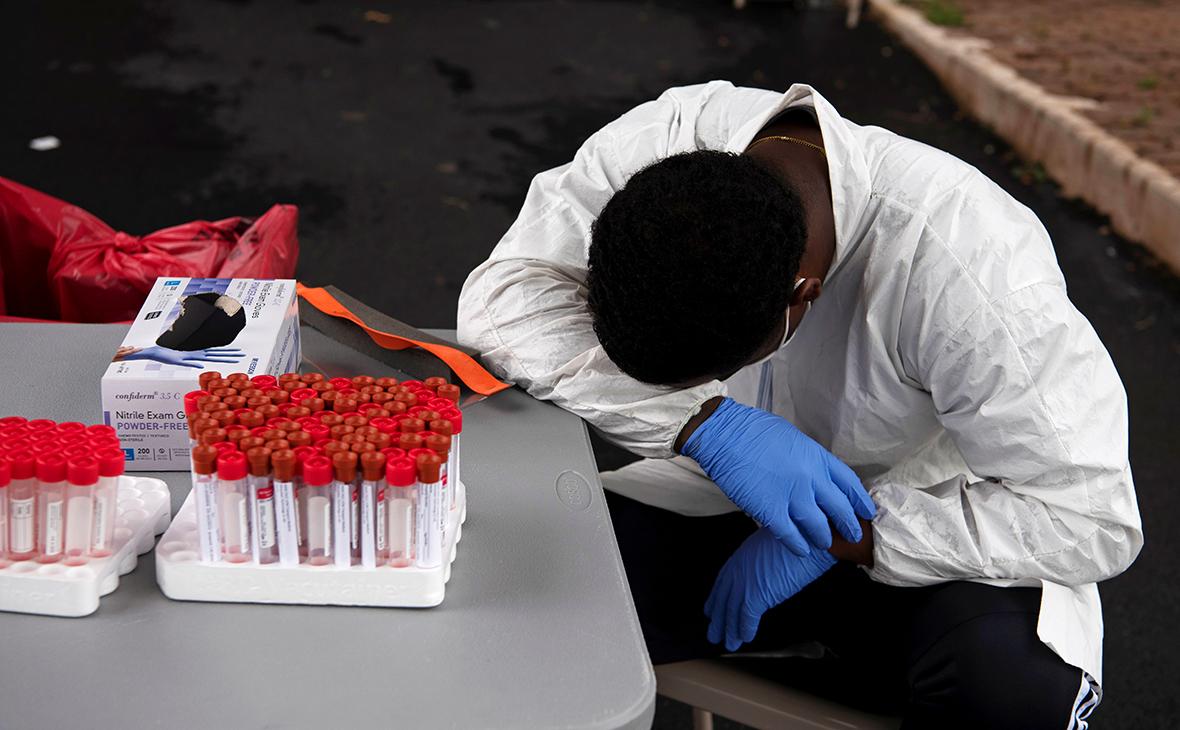Вирусолог назвал причины высокой заболеваемости COVID-19 в США