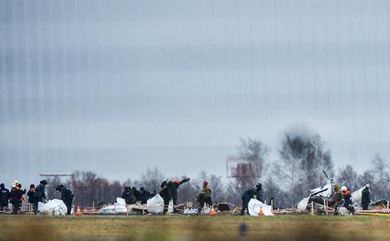 Обломки самолета Boeing 737 авиакомпании «Татарстан», разбившегося припосадке вмеждународном аэропорту Казань, 2013 год