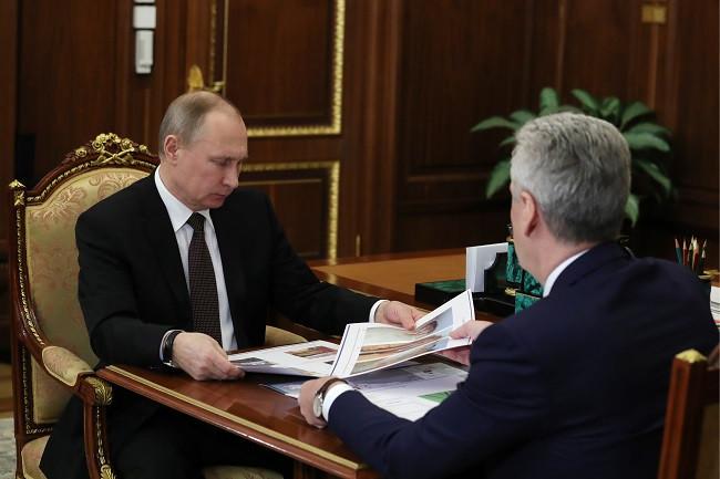 21 февраля 2017 года. Президент России Владимир Путин и мэр Москвы Сергей Собянин (слева направо) во время встречи в Кремле