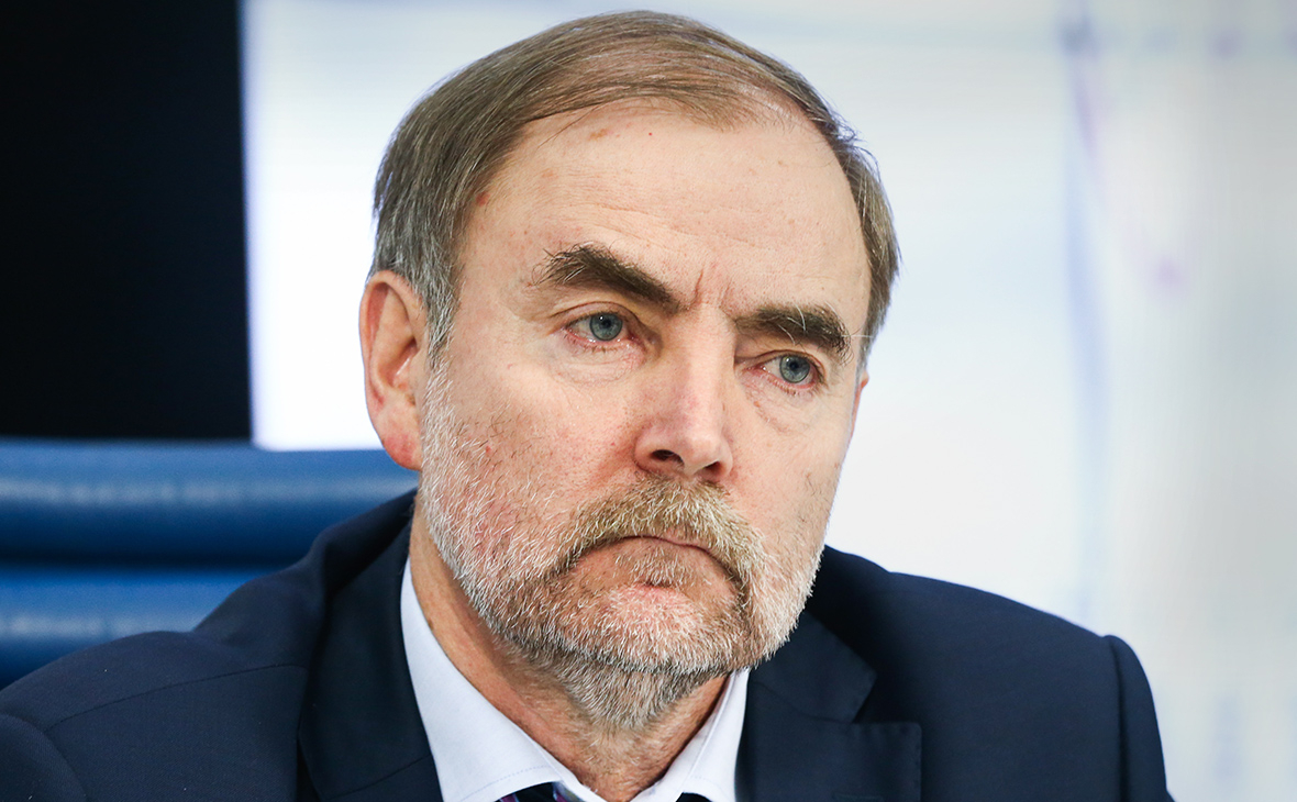 Анатолий Голомолзин