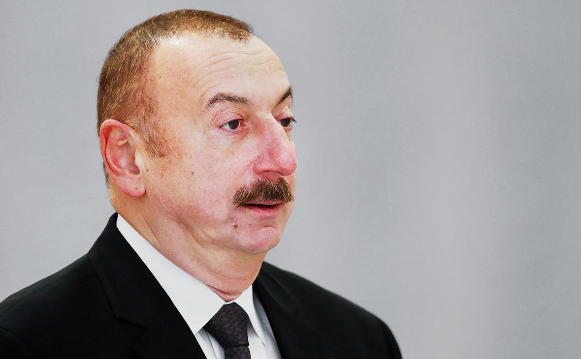 Президент Азербайджана предложил включить Турцию в переговоры по Карабаху