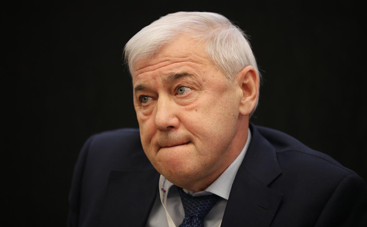 Анатолий Аксаков
