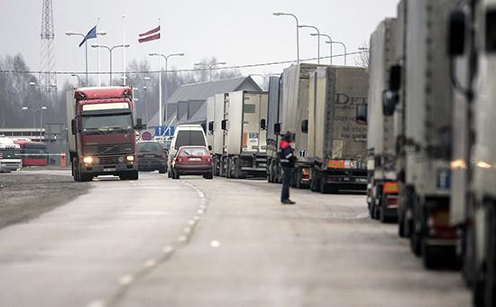 Грузовикина латвийско-российской границе