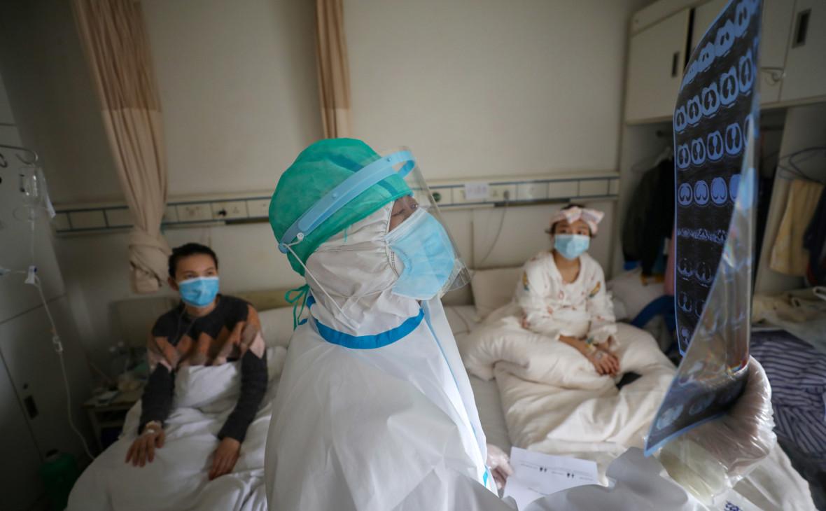 В Китае число жертв коронавируса достигло почти 2800