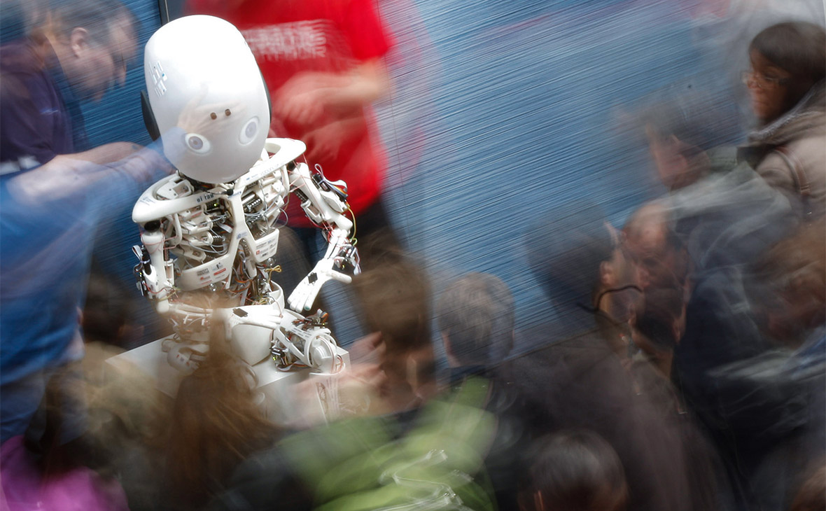 В Госдуме РФ урегулируют отношения человека и робота