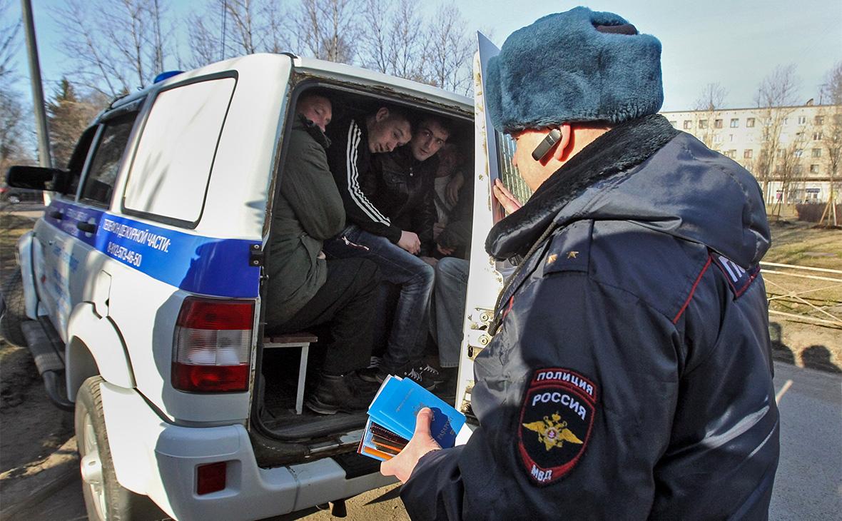 Рейд сотрудников ФМС и полиции по выявлению нелегальных мигрантов