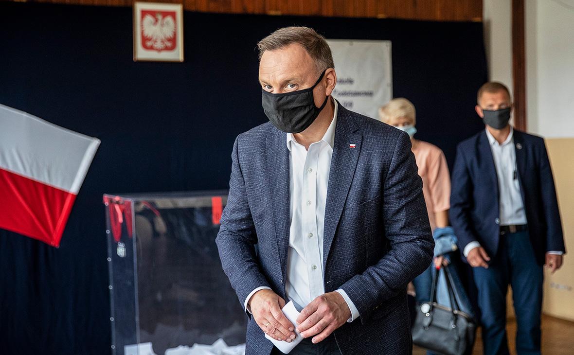 Экзитпол показал победу Дуды на выборах президента Польши с отрывом 0,8%