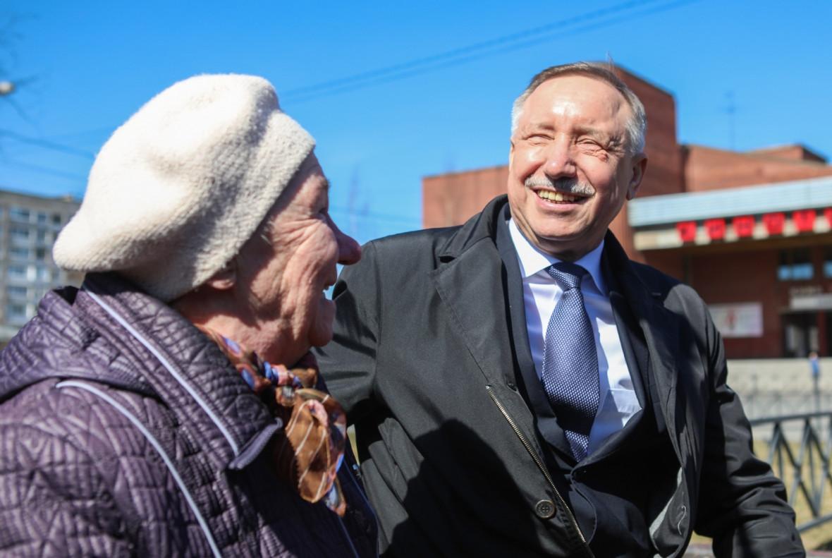 Губернатор Петербурга Александр Бегловво время встречи с жителями Колпинского района