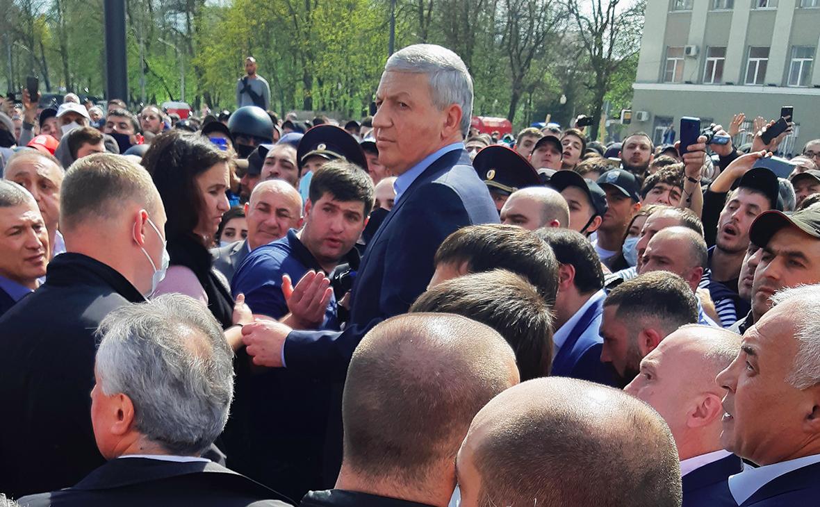 Глава Осетии ответил на требования протестующих из-за самоизоляции
