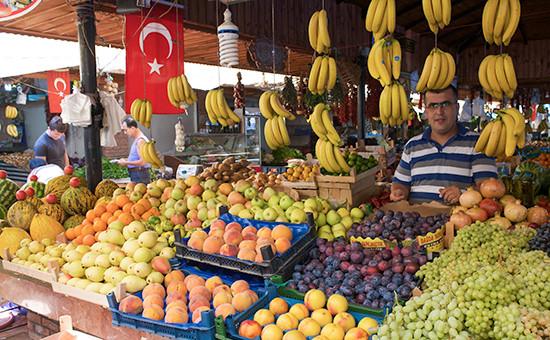 Турецкие фрукты нарынке