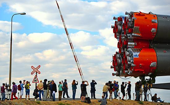 Ракета-носитель «Союз-ФГ» вовремя транспортировки настартовую площадку Байконура